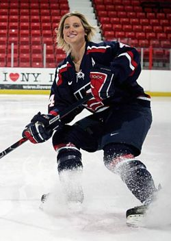 Angela_Ruggiero_-credit_USA_Hockey.jpg