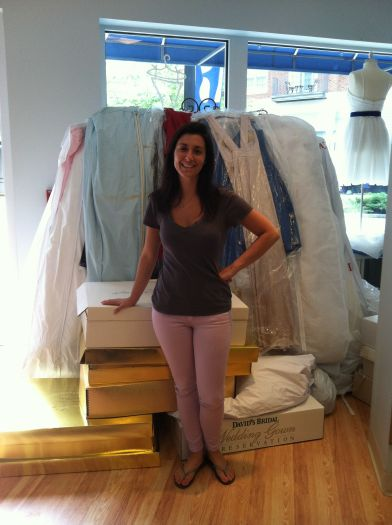 Stamfordplus Com News Bella Bridesmaid Collects 75 Gowns
