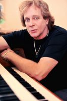 EDDIE_MONEY_AT_PIANO_MARCH_20_2014_-_Copy.jpg