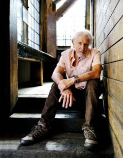 JOHN_MAYALL_JULY_7_2012_SITTING_IN_STAIRS_john_mayall_photo-1_-_Copy.jpg