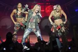 VINCE_NEIL_ON_STAGE_WITH_DANCERS_JANUARY_19_2012_-_Copy.jpg