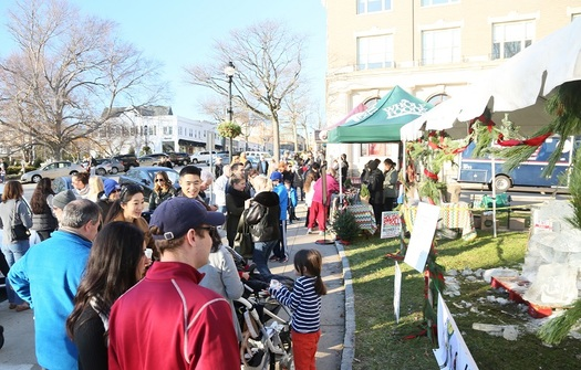 Shop, Dine and Be Merry at the 8th Annual Greenwich Holiday Stroll Weekend Presented by Whole Foods Market