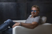 PhilVassar_-_Photo_Chair_resized_2018.jpg